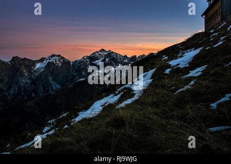 Österreich, Tirol, Stubaier Alpen, Neustift, Abendstimmung an der Starkenburger Hütte - Stock Photo