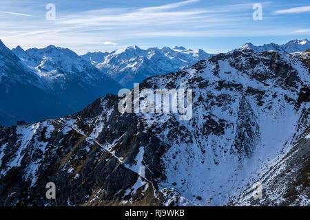 Österreich, Tirol, Stubaier Alpen, Neustift, Bergpanorama vom Hohen Burgstall - Stock Photo
