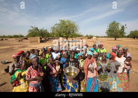 Baribsi village, Yako, Burkina Faso, 30th November 2016;  Members of Baribsi village women's shea butter production group. - Stock Photo
