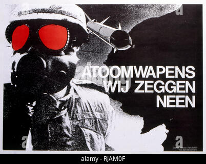 Atoomwapens Wij zeggen Neen (Atomic weapons We say No), 1980 anti-nuclear weapons, poster. Shows soldier with gas mask and nuclear missile. published by the European Bureau of Conscious Consumers (Brussels, Belgium). The design is by Sam Biesemans, graph Werner Pans (NAP). - Stock Photo