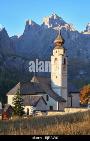 San Vigilio Church, Colfosco, Corvara, Dolomites, South Tyroll, Italy.  View to the Sella Massif - Stock Photo