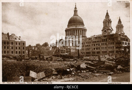 WW2 - Bomb damage in London - St. Paul's Cathedral from Paternoster Row. - Stock Photo