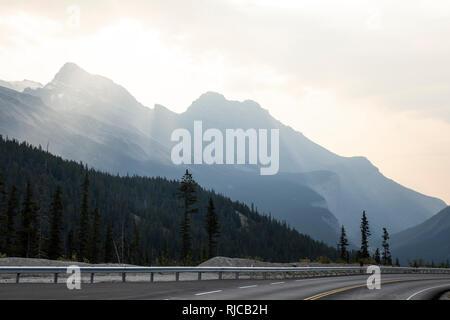 Kanada, Alberta, Kanadische Rocky Mountains, Icefields Parkway - Stock Photo