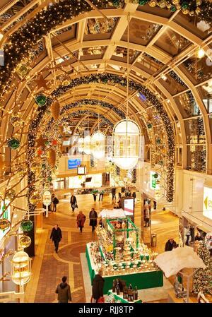 Christmas decoration in the shopping centre Allee Center, Alt-Remscheid, Remscheid, North Rhine-Westphalia, Germany