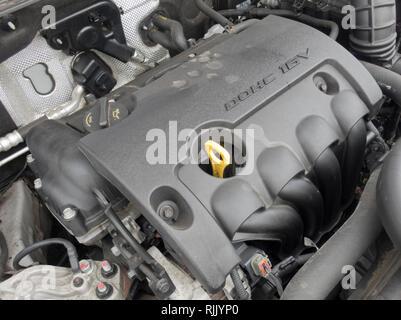 Hyundai 1.6 litre Petrol DOHC 16v Petrol Car Engine ( Euro 5 compliant ) - Stock Photo