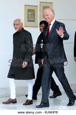 US Vice President Joe Biden (L) with Indian Vice President Hamid Ansari (R) prior to their meeting in New Delhi, India, 23 July 2013. Biden is the first US vice president to visit India in three decades, he is on a four-day visit to boost the ties in trade, energy, defence and security. (SOLARIS IMAGES) - Stock Photo