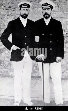 Prince of Wales (later King George V of Britain), with his cousin Tsar Nicholas II of Russia at Cowes, Isle of Wight, England 1904 - Stock Photo