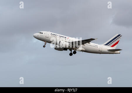 AMSTERDAM / NETHERLANDS - JAN 08, 2019: Air France Airbus A319-111 F-GRHZ passenger plane taking off from Amsterdam Schiphol Airport - Stock Photo