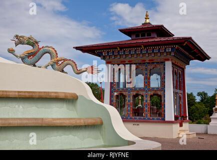 La Boulaye, TEMPEL DER 1000 BUDDHAS, gegründet 1987 von tibetischen Mönchen. Lamaistisches Zentrum verbunden mit einer Hochschule für Tibetologie, Pav - Stock Photo