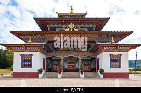 La Boulaye, TEMPEL DER 1000 BUDDHAS, gegründet 1987 von tibetischen Mönchen. Lamaistisches Zentrum verbunden mit einer Hochschule für Tibetologie - Stock Photo