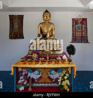 La Boulaye, TEMPEL DER 1000 BUDDHAS, gegründet 1987 von tibetischen Mönchen. Lamaistisches Zentrum verbunden mit einer Hochschule für Tibetologie, sit - Stock Photo
