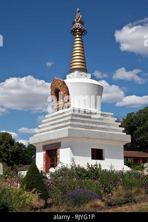 La Boulaye, TEMPEL DER 1000 BUDDHAS, gegründet 1987 von tibetischen Mönchen. Lamaistisches Zentrum verbunden mit einer Hochschule für Tibetologie, Gro - Stock Photo