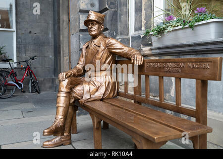 Statue of Polish war hero General Stanislaw Maczek at City chambers in Edinburgh Old Town, Scotland, UK - Stock Photo