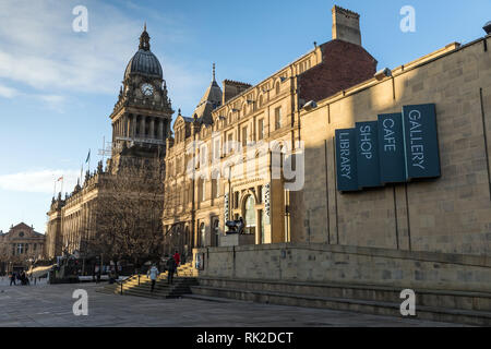Leeds Art Gallery on The Headrow. A Henry Moore sculpture, Reclining Woman: Elbow, stands outside the entrance of the council-owned gallery. - Stock Photo