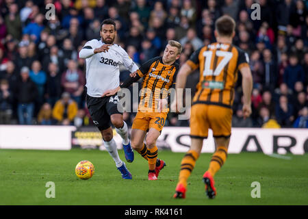 Derby, UK. 09th Feb, 2019. Tom Huddlestone of Derby Countyand Jarrod Bowen of Hull City during the EFL Sky Bet Championship match between Derby County and Hull City at the Pride Park Stadium, Derby, England on 9 February 2019. Photo by Matthew Buchan. Editorial use only, license required for commercial use. No use in betting, games or a single club/league/player publications. Credit: UK Sports Pics Ltd/Alamy Live News - Stock Photo