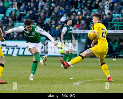 Easter Road, Edinburgh, UK. 9th Feb, 2019. Scottish Cup football fifth round, Hibernian versus Raith Rovers; Stevie Mallan of Hibernian takes a shot at goal Credit: Action Plus Sports/Alamy Live News - Stock Photo