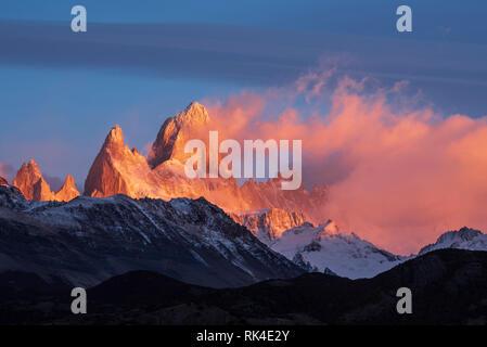Mount Fitzroy and Cerro Poincenot at sunrise from Mirador Condores in Parque Nacional Los Glaciares near El Chaltén, Patagonia, Argentina. - Stock Photo