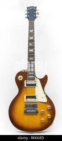 "Gibson Guitar Worn Sunburst 7/"" Tin Sign"
