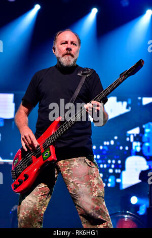 RJ - Rio de Janeiro - 09/02/2019 - Paralamas do Sucesso - The band Paralamas do Sucesso during show The biggest meeting of the Brazilian Rock in the Hall of Advantages in Barra da Tijuca, this Saturday, February 9 .. Photo: Thiago Ribeiro / AGIF - Stock Photo