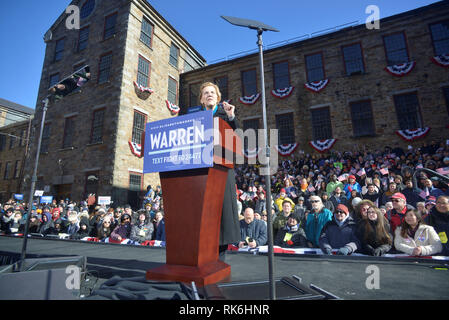 Lawrence, Massachusetts, USA. 9th Feb, 2019. Senator ELIZABETH WARREN (D-MA) announces her decision to run for president of the United States in the 2020 election to an enthusiastic crowd of supporters during a rally at the Everett Mills. Credit: Kenneth Martin/ZUMA Wire/Alamy Live News - Stock Photo