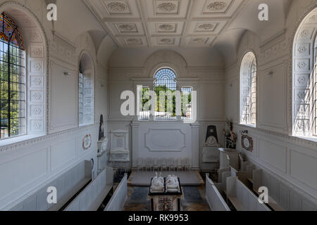 Compton Verney House  is an 18th-century country mansion at Compton Verney in Warwickshire, England. Interior photo of the Chapel - Stock Photo