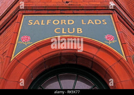 Salford Lads Club doorway, as featured in The Smiths album, The Queen Is Dead, Saint Ignatius Walk, Salford, Lancashire, North West England, UK,M5 3RX - Stock Photo