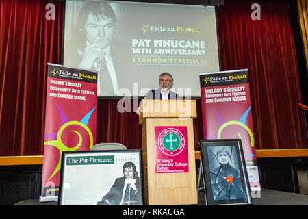 """St Marys College ,Falls Road, Belfast, Northern Ireland, UK. 10th February 2019. Gerry Adams Retired President of Sinn Fein Addressing a large crowd at """"A Community Reflects' on the murder of Human Rights Lawyer Pat Finucane 30 years ago. The Family are still waiting for a Full Public enquiry in to the Solicitors Murder. Credit: Bonzo/Alamy Live News - Stock Photo"""
