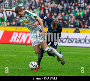 sports, football, Bundesliga, 2018/2019, Borussia Moenchengladbach vs Hertha BSC Berlin 0-3, Stadium Borussia Park, scene of the match, foul play, Matthias Ginter (MG) left and Ondrej Duda (Hertha), DFL REGULATIONS PROHIBIT ANY USE OF PHOTOGRAPHS AS IMAGE SEQUENCES AND/OR QUASI-VIDEO