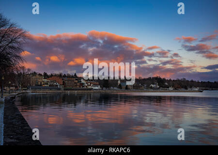 Clouds form over Skaneateles Lake, Skaneateles, a popular vacation destination in the Finger Lakes Region of New York State, USA. - Stock Photo