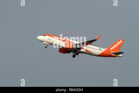 Easyjet, Airbus A320-214, OE-IVW, take off at Manchester Airport - Stock Photo
