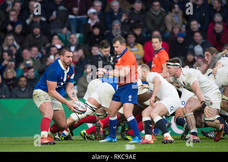Twickenham, United Kingdom. 7th February, Louis PICAMOLE, looking for support, England vs France, 2019 Guinness Six Nations Rugby Match   played at  the  RFU Stadium, Twickenham, England,  © PeterSPURRIER: Intersport Images Credit: Peter SPURRIER/Alamy Live News - Stock Photo