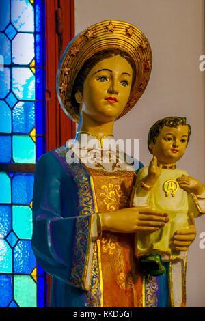 Vietnam, Hanoï, Virgin Mary and Jesus at the Saint Paul Cathedrale - Stock Photo