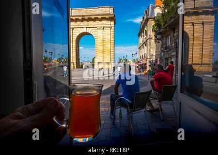 France, Nouvelle Aquitaine, Gironde, having tea at the turkish café ''Le Coin du Sultan'', by ''Porte de Bourgogne'' gate at Bordeaux. - Stock Photo