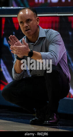 Hass Pavilion Berkeley Calif, USA. 10th Feb, 2019. CA U.S.A. Oregon State head coach Scott Rueck during the NCAA Women's Basketball game between Oregon State Beavers and the California Golden Bears 82-74 win at Hass Pavilion Berkeley Calif. Thurman James/CSM/Alamy Live News - Stock Photo