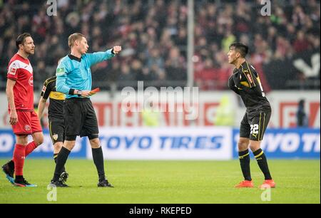 Nicolas GONZALEZ r. (S) sees a red card from referee Christian DINGERT for sending a felony Off course, Football 1.Bundesliga, 21.matchday, Fortuna Dusseldorf (D) - VfB Stuttgart (S) 3: 0, on 10.02.2019 in Duesseldorf / Germany. ## DFL regulations prohibit any use of photographs as image sequences and / or quasi-video ## | usage worldwide - Stock Photo