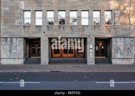 Berlin-Wilmersdorf, Fehrbelliner Platz 1. State Administration Office of Berlin. Nazi-era building by architect Philipp Schaefer for Karstadt - Stock Photo