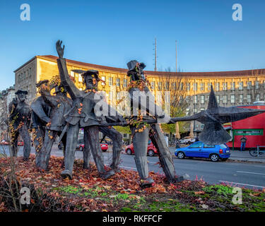 Berlin,Wilmersdorf, Fehrbelliner Platz. Sculpture, The Seven Swabians by sculptor Hans Georg Damm based on a fairy tale by the Brothers Grimm - Stock Photo
