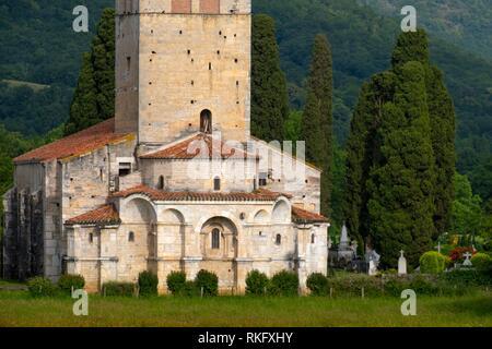 France, Occitanie, Haute Garonne, Ramanic basilic of Saint Just ,by Saint Bertrand de Comminges. - Stock Photo