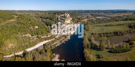 Chateau de Beynac, Beynac et Cazenac, perched on its rock above the River Dordogne, France. Beynac is classified as one of the most beautiful villages - Stock Photo