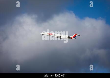 Duesseldorf, North Rhine-Westphalia, Germany - HOP! Airplane takes off from Duesseldorf International Airport, DUS Duesseldorf, Nordrhein-Westfalen, D - Stock Photo