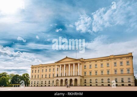 The Royal Palace (Det kongelige slott) in Oslo, the capital of Norway. - Stock Photo