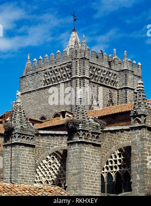 Spain, Castile and Leon, Avila. Cathedral of St. Salvador. Catholic church. It was started in the 12th century in Romanesque style and concluded in the 14th century in Gothic style. Architectural detail of the exterior. - Stock Photo