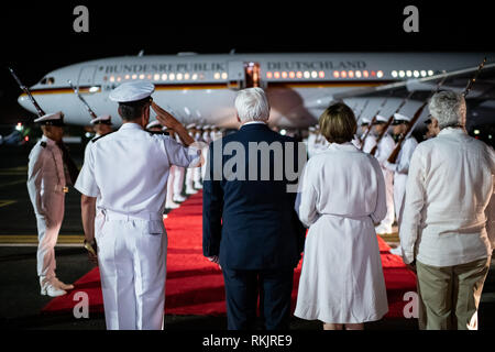 Cartagena, Colombia. 11th Feb, 2019. Federal President Frank-Walter Steinmeier and his wife Elke Büdenbender arrive at Rafael Nunez Airport. Federal President Steinmeier and his wife are visiting Colombia and Ecuador on the occasion of Alexander von Humboldt's 250th birthday as part of a five-day trip to Latin America. Credit: Bernd von Jutrczenka/dpa/Alamy Live News - Stock Photo