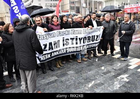 Ankara, Turkey. 15th Jan, 2019. Members and supporters of the Confederation of Public Employees Trade Unions (KESK) take part in a protest demanding an additional wage increase from the government due to high inflation rates. Credit: Altan Gocher | usage worldwide/dpa/Alamy Live News - Stock Photo