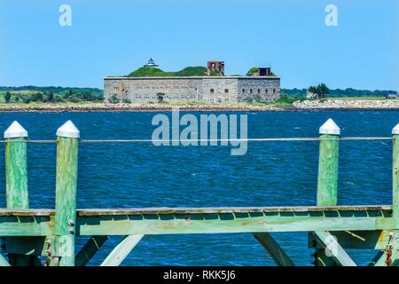 Pier Fort Rodman Old Stone Civil War Fort Entrance New Bedford Harbor Buzards Bay New Bedford Massachusetts United States. Erected just before the - Stock Photo