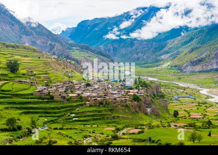 Traditional architecture in Manang village, Annapurna Conservation Area, the largest protected area of Nepal. - Stock Photo