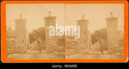 City gate. Additional title: St. Augustine views. Robert N. Dennis collection of stereoscopic views United States States Florida. Stereoscopic views - Stock Photo
