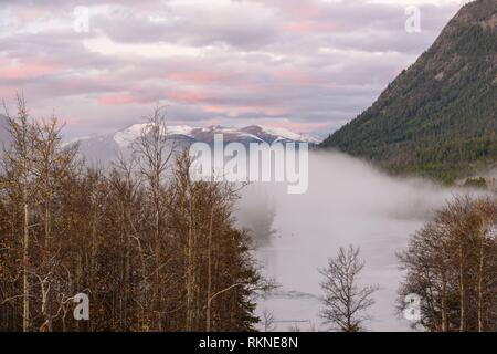 Dawn skies over the Chilko River, Chilcotin Wilderness, British Columbia, Canada. - Stock Photo