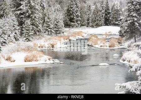 Junction Creek in early winter with fresh snow, Greater Sudbury, Ontario, Canada. - Stock Photo