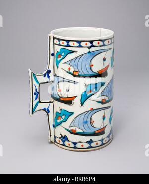 Tankard (Hanap) with Ships - Late 16th century - Turkey Iznik - Artist: Islamic, Origin: Turkey, Date: 1501–1600, Medium: Fritware with underglaze - Stock Photo
